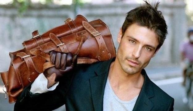 Le sac à main (de l'homme)