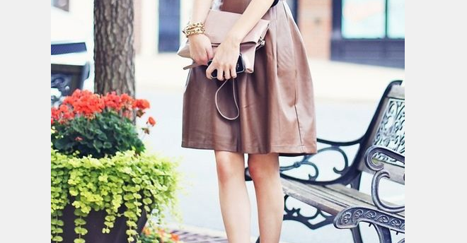 Ooh la belle robe en cuir
